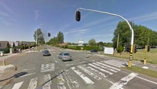 Flitspaal in brand gestoken, verkeerslichten defect