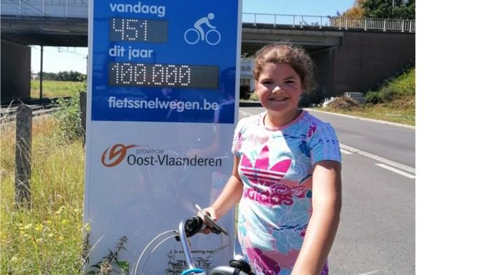 Opmerkelijk: Marilien is 100.000ste fietser die dit jaar fietssnelweg nam