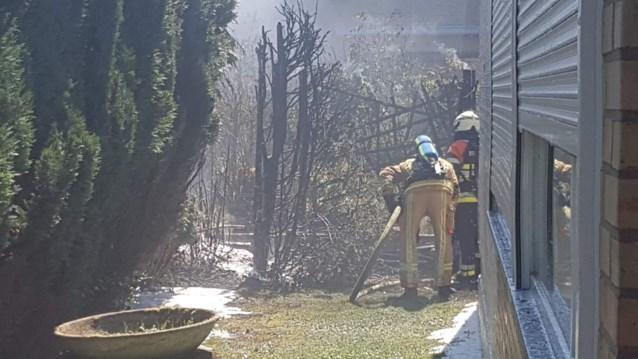 Zware tuinhuisbrand zorgt voor veel schade