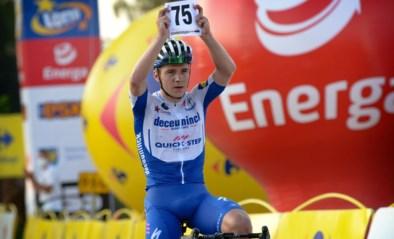 Ondanks een valpartij: Remco Evenepoel demonstreert in Ronde van Polen en wint na solo van 50 kilometer