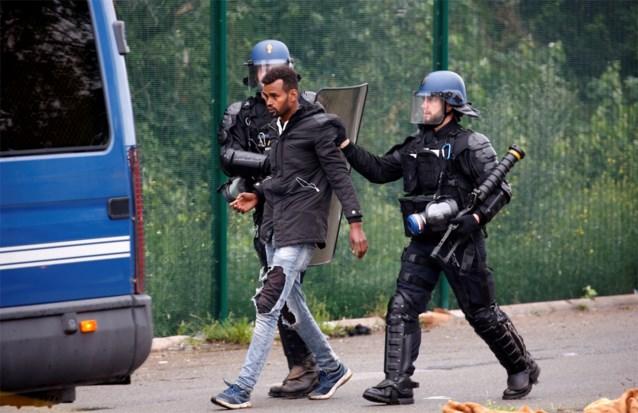 Londen wil dat Parijs harder optreedt tegen migranten die Kanaal oversteken