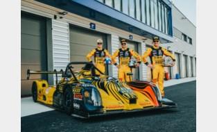 Bert en Stienes Longin samen met Corten aan de start van eerste Belcar-race