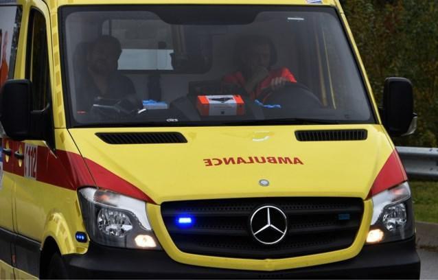 Motorrijder naar ziekenhuis na aanrijding