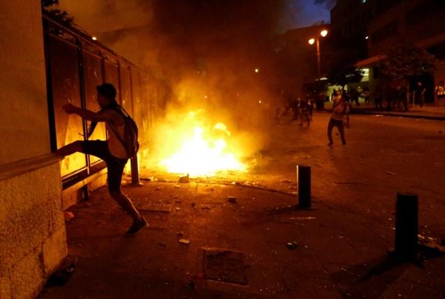 Opnieuw rellen in Beiroet: politie reageert met traangas