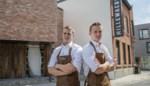 """Broers Lukas (25) en Pieter-Jan (21) openen nieuwe slagerij in hartje Hooglede: """"Door de coronacrisis liepen de verbouwingen vertraging op"""""""