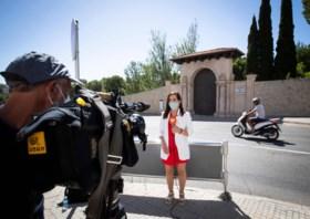 Spaanse koning start vakantie op Mallorca, terwijl 'gevluchte' vader ter beschikking van het gerecht blijft