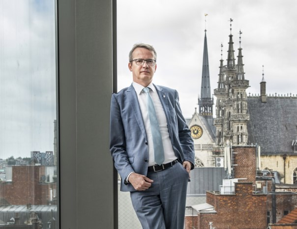 """KU Leuven wil af van studentendopen: """"Zulke beelden zijn niet meer van deze tijd"""""""