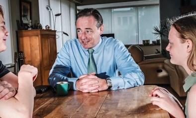"""Kinderen van Bart De Wever leggen hun papa op de rooster: """"Wie is je lievelingskind?"""""""