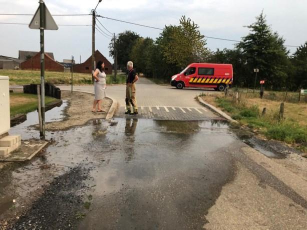 Wateroverlast Kruisstraat Noorderwijk door waterleiding