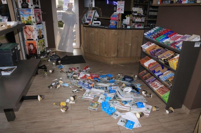 Inbrekers plunderen voorraad sigaretten van krantenwinkel via toiletraam: voor 40.000 euro aan rookwaren meegenomen