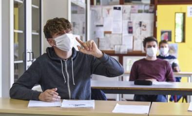 """Ondanks stijgende curve zijn er ook geruststellende cijfers: """"Amper besmettingen geweest op school zelf"""""""