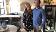 """Iris en Claudio toveren iconische zaak om tot tapasrestaurant: """"Gezelligheid en lekker eten vind je hier"""""""