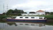 BINNENKIJKEN. Een superdeluxe woonboot die zelfs kan dienstdoen als restaurant? Daar betaal je dit bedrag voor