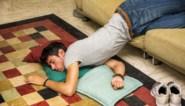 Help, mijn puber ligt tot na de middag in bed! Expert geeft ouders tips om slaappatroon van hun kind te verbeteren