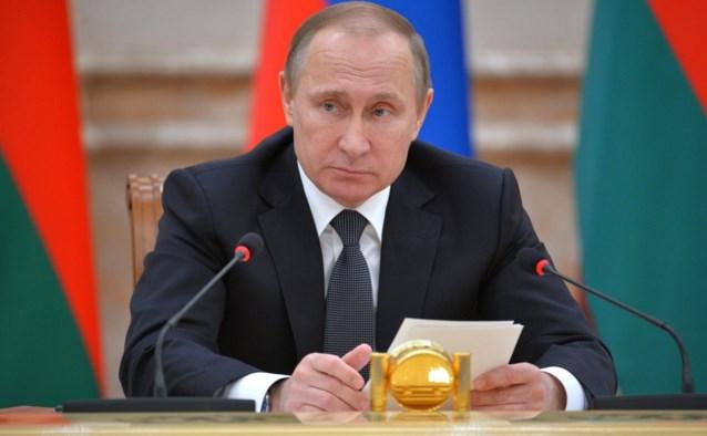 """Poetin: """"Rusland heeft vaccin tegen coronavirus, mijn dochter heeft het zelfs al gekregen"""""""
