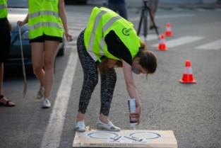 'Geen fietspad? Dan schilderen we er zelf een': Gentse fietsers kaarten onveiligheid aan