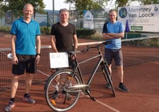 Jo Vaeremans wint Astrid-fiets