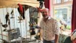 """Peter (51) geeft overleden dieren tweede leven in opvallende nieuwe winkel: """"Het klinkt luguber, maar het is een fantastische bezigheid"""""""