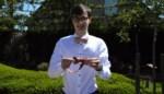 """Sebastiaan (22) lanceert eigen merk van vlinderdassen: """"Ik vond nergens mijn gedacht, dus besloot dan maar ze zelf te maken"""""""