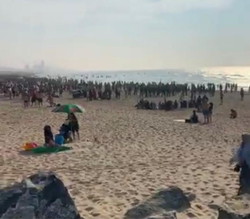 @StadaanZee @Barttommelein Tumult op strand Oostende, politie massaal ter plaatse.