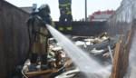 Afvalcontainer vat vuur, wellicht door oververhitting