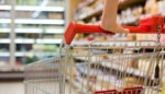 Kom tegen sluitingsuur en schakel je familie in: winkelkar nog steeds duurder dan voor corona, maar zo bespaar je toch