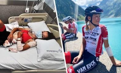 """Amper twee weken na doodsmak daalt renster Mieke Docx met razende snelheid berg af: """"Beter nu dan tijdens wedstrijd"""""""