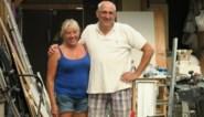 """Peter en Linda bouwen zeven jaar aan eigen zeilboot: """"Nikki is eerbetoon aan ons overleden dochtertje"""""""