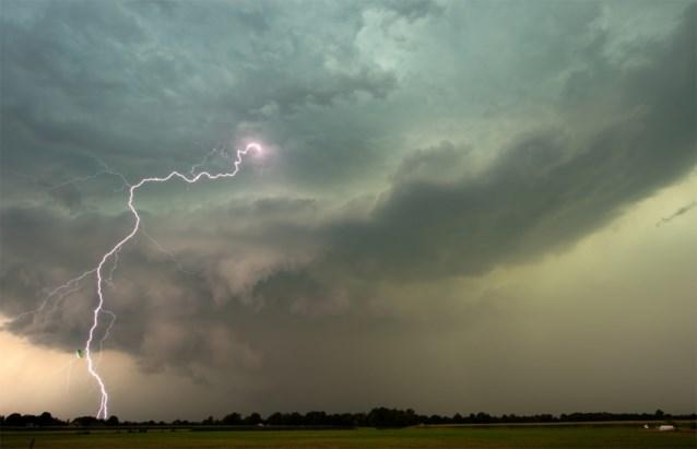 Onweer trekt van west naar oost over land: code oranje van kracht in vier provincies