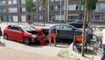 'Sportieve' bestuurder ramt geparkeerde auto op Diksmuidelaan