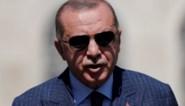 """Erdogan verwijt Macron """"kolonialisme"""" met optreden in Beiroet"""