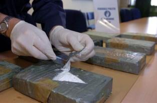 Chauffeur van vrachtwagen vol drugs in Aalbeke verhoord en vrijgelaten