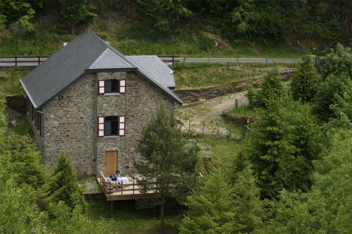 We willen absoluut nog op reis: rush op vakantiewoningen in de Ardennen en in skigebieden, maar vliegen durven we niet