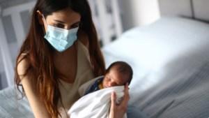 Hoe mirakelbaby George de ontploffing in Beiroet overleefde: een straaltje hoop tussen puin