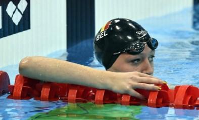 Jade Smits (19) zwemt Belgisch record op 50 meter rugslag van Kimberly Buys van de tabellen