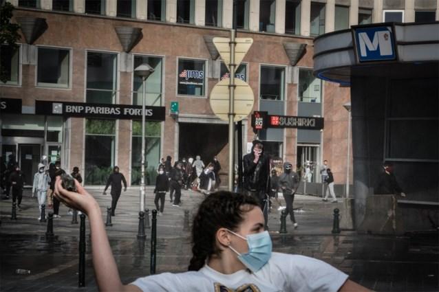 Verdachte van rellen na protesten racisme en politiegeweld in Brussel vrijgelaten door onderzoeksrechter