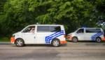 Politieman vervangt platte band van bestuurster tijdens verkeerscontrole in Hasselt