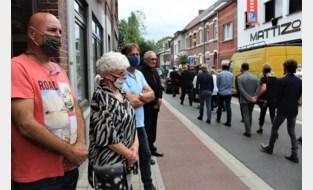 """Stamcafé van Ilse Uyttersprot neemt in tranen afscheid van vermoorde politica: """"Ze laat een grote leegte achter"""""""