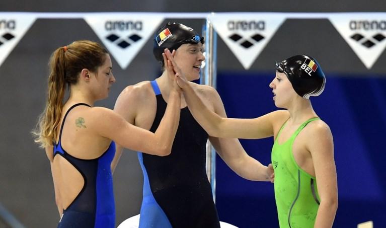 Jade Smits veegt Belgisch record op 50 meter rugslag van de tabellen, 15-jarige Vanotterdijk klopt Olympisch kampioene
