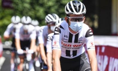 """Tiesj Benoot stapt uit voorzorg uit Dauphiné: """"Willen geen risico nemen richting Tour"""""""