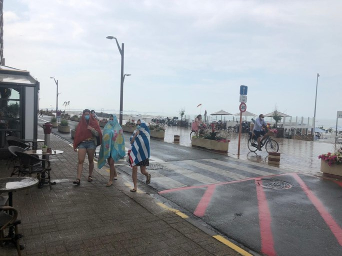 """Na de rellen, de rust: muisstil 'topweekend' aan de kust, waar """"handelaars de dupe zijn"""""""