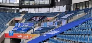 """Geen Buffalo's, maar toch kleurt Ghelamco Arena blauw-wit: """"Spelers tonen dat we hen niet zijn vergeten"""""""