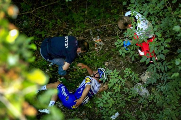 Drama voor Remco Evenepoel in Ronde van Lombardije: bekkenbreuk na val in ravijn, seizoen is voorbij