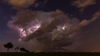 Weerman Frank Deboosere wil niemand bang maken, maar bereid je voor op: 10.000 bliksems, rukwinden van 100 km/uur en hopen hagel