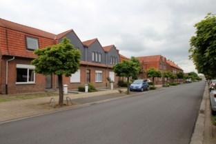 Lints Kasteelplein wordt vernieuwd: renovatie begint met afbraak van 23 woningen