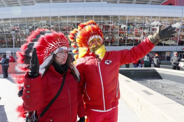 Super Bowl-winnaar Kansas City Chiefs verbiedt fans het dragen van indianentooien