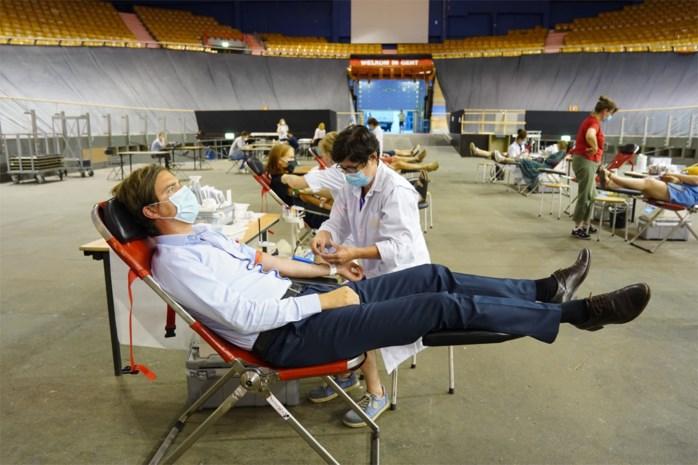 Na noodkreet Rode Kruis: Gentenaars geven goede voorbeeld (en bloed) in 't Kuipke