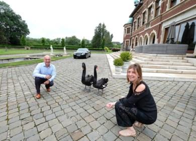 """Peter en Ann-Sofie wonen in een echt kasteel met 11 slaapkamers: """"We werken heel hard om het te kunnen betalen"""""""
