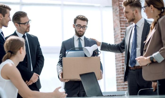 Eerste hulp bij ontslag: op welke vergoedingen heb je recht en hoeveel uitkering krijg je?