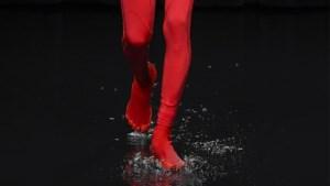 Balenciaga herintroduceert de teenschoen
